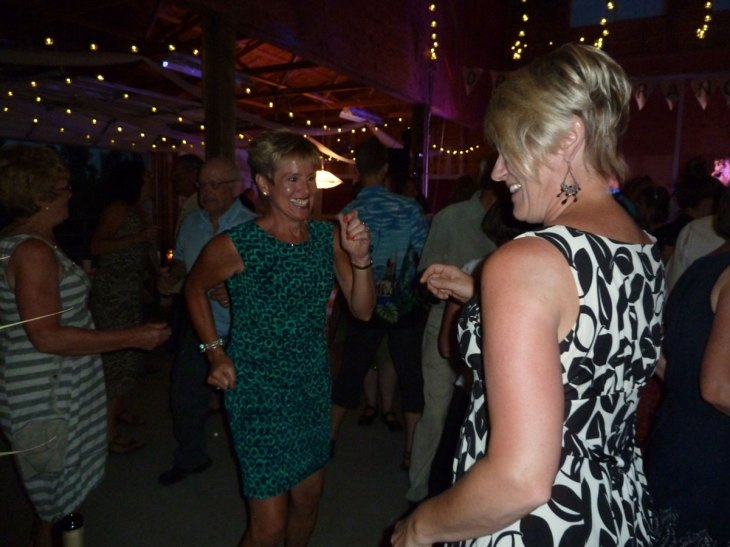 wedding-dancing-P1000581