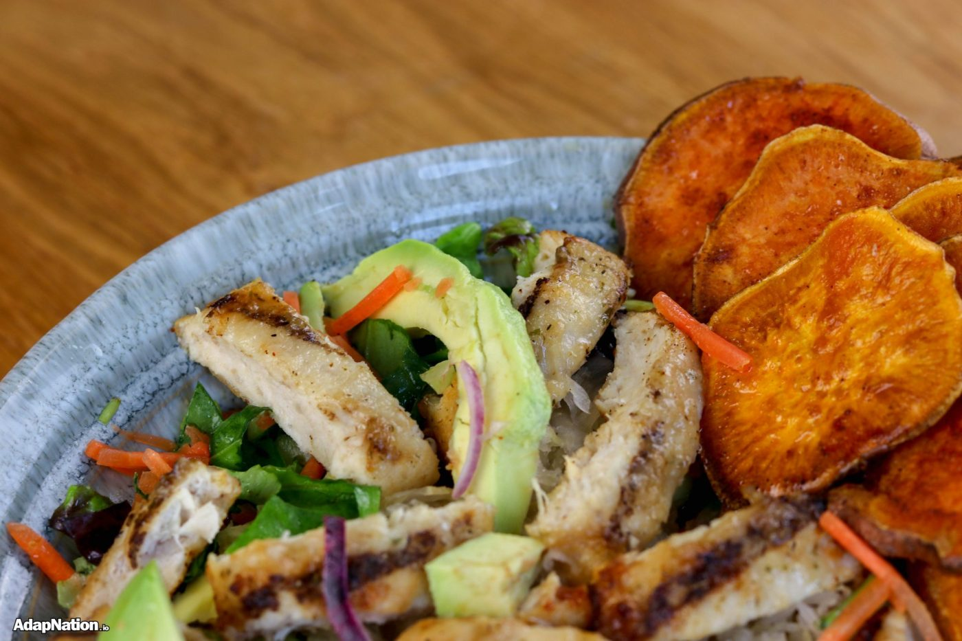 Chicken & Avo Salad with SP Crisps
