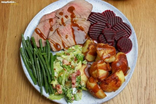 Roast Beef, Crispy Potatoes & Seasonal Veg