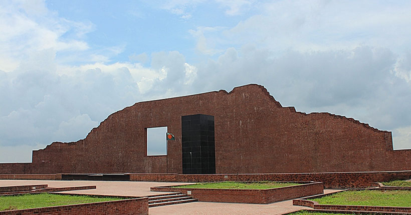 martyred-intellectuals-memorial-rayerbazar-02