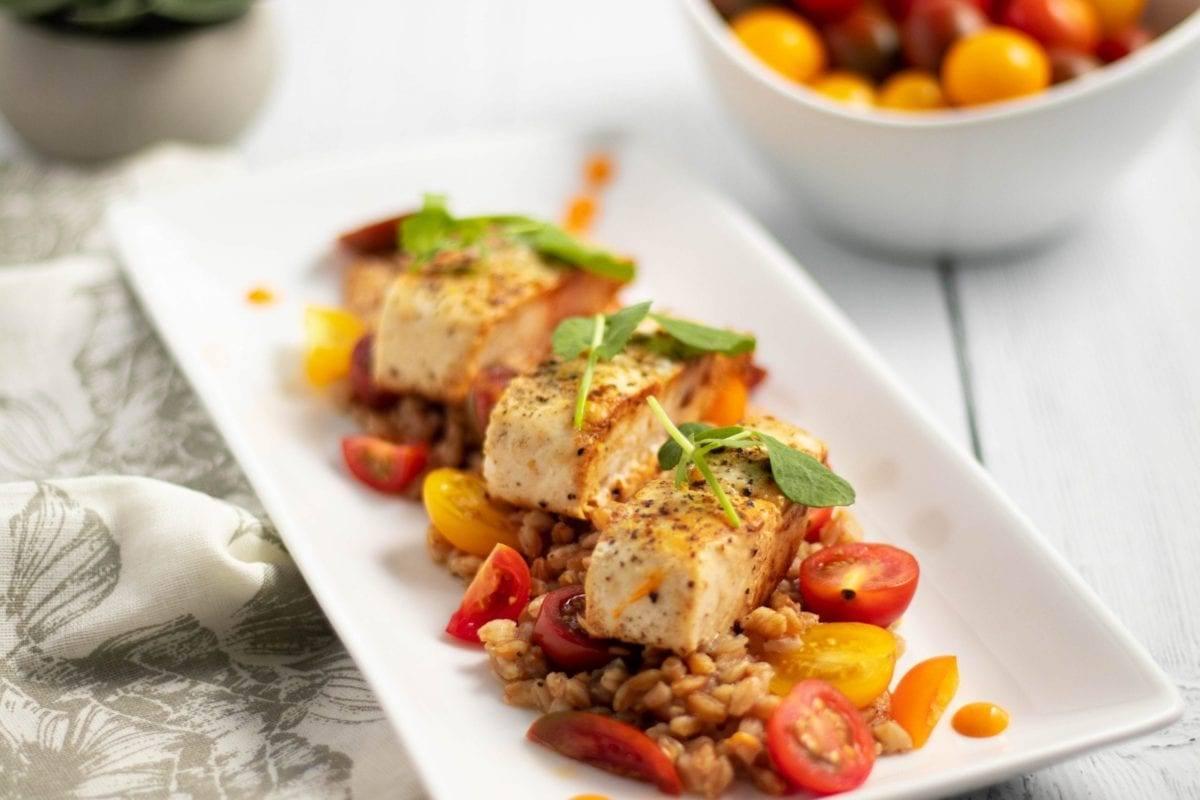 Mahi Mahi on a Bed of Heirloom Tomatoes and Farro Meal Prep Counting Macros