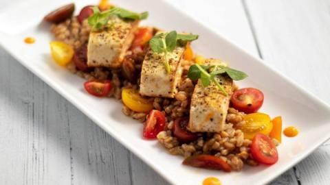 Mahi on a Bed of Heirloom Tomatoes and Farro Meal Prep Counting Macros