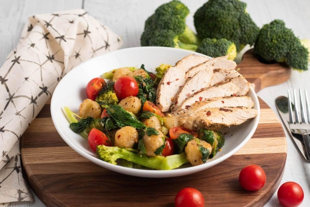 Cauliflower Gnocchi, w/Broccoli & Chicken