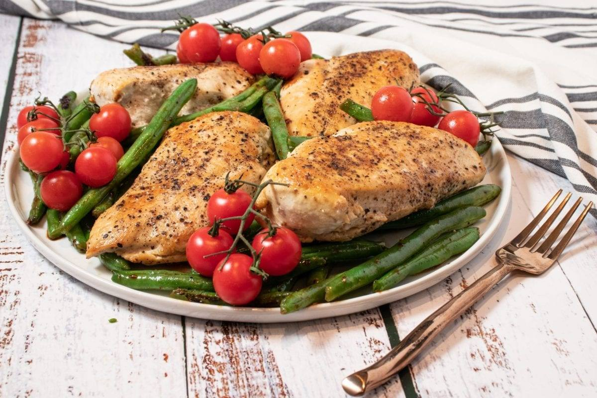 Chicken with Green Beans and Blistered Tomatoes