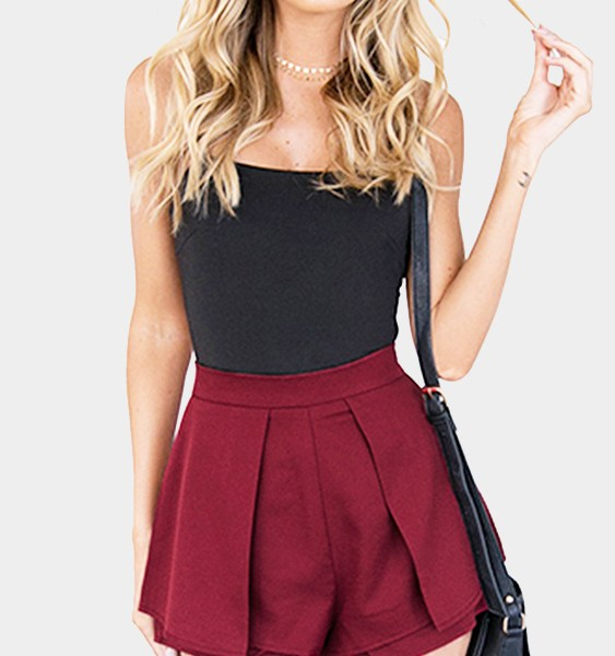 High-rise Overlay Pleated Shorts in Burgundy 2