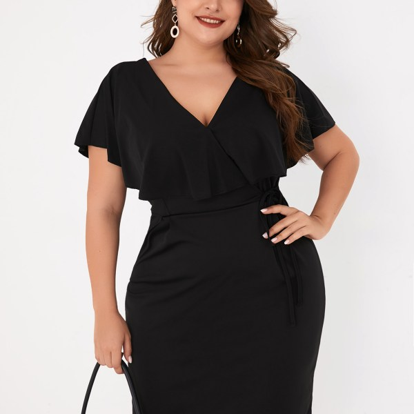 Plus Size Black Wrap Design V-neck Short Sleeves Dress 1