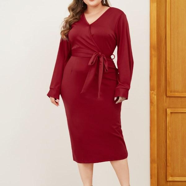 Plus Size Red Slit Design V-neck Long Sleeves Dress 2