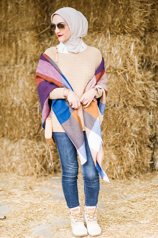 Fall in Baltimore - Baugher's Orchard - Fall Style - Blanket Scarf - Sperry Duckboots - Plaid Scarf - Beige Sweater - Hijabi Blogger - Fashion Blog