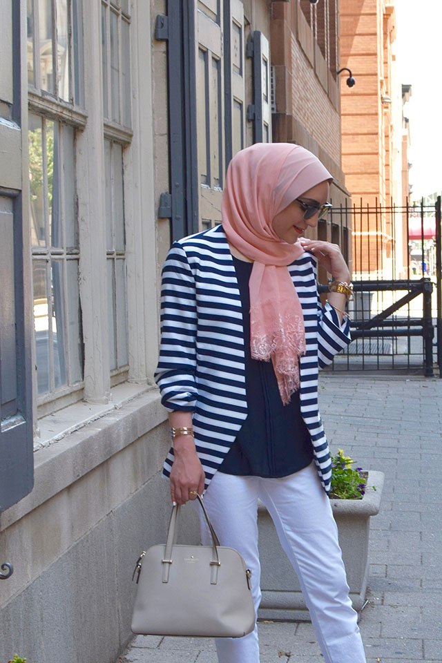 Navy Stripe Blazer - white denim - veilure couture - hijabi blogger - marc fisher wedges - spring outfit