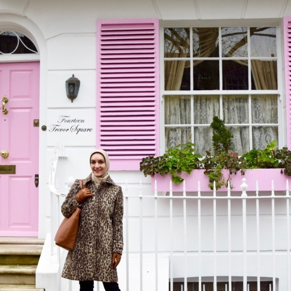 Travel Blog, London Travel Itinerary, A Day In The Lalz, Pink House