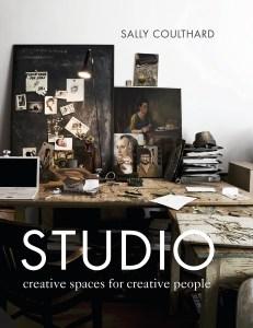 Artist studio minimal