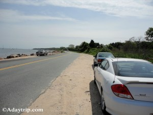 Roadside parking at Knowles Beach