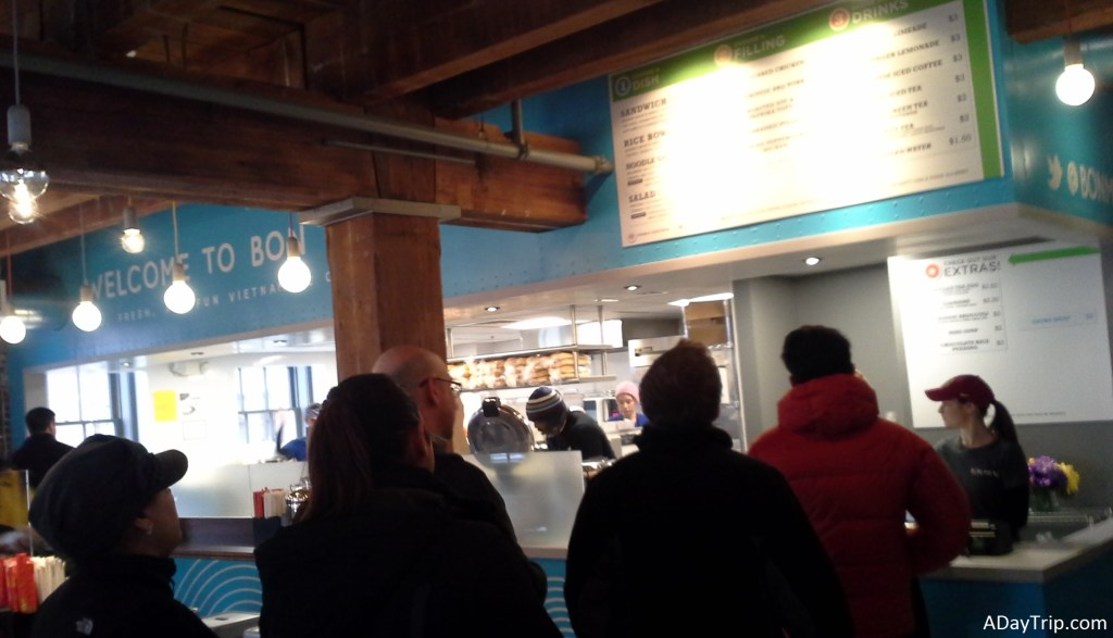 Menu and line at Bon Me