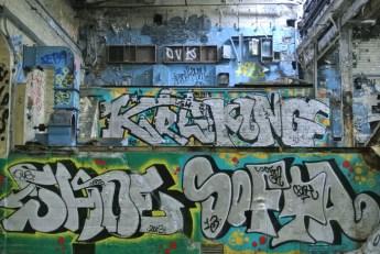abandoned-factory-glasgow-graffiti3