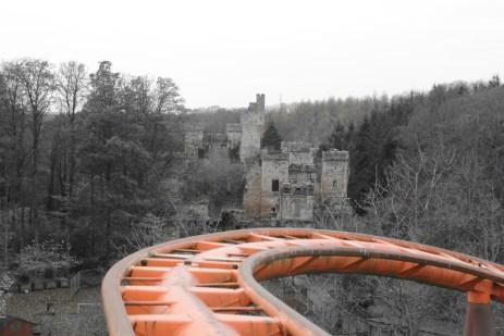 abandoned-fairground-castle-ruins-scotland