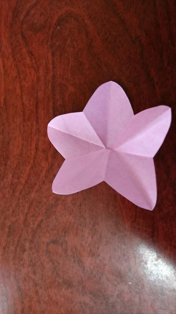 ひな祭りのテーブルコーディネート お花飾り桃の花
