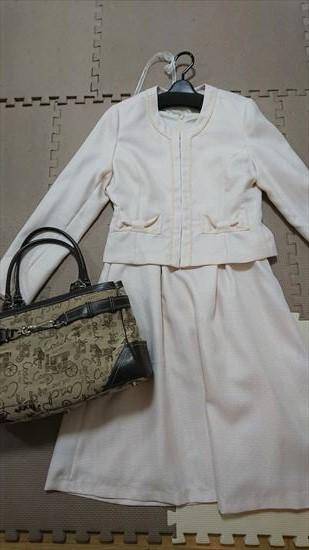 ピンクベージュスーツに合う靴やバッグの色2 キャメル・ブラウン系