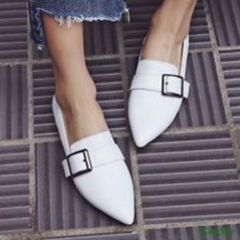 Classy Business Women Outfits Ideas With Flat Shoes12