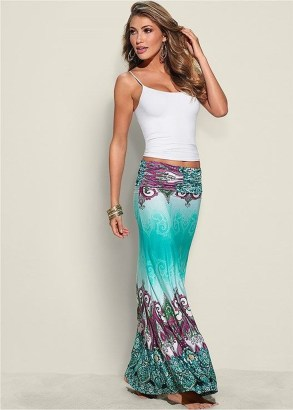 Cute Maxi Skirt Outfits To Impress Everybody05