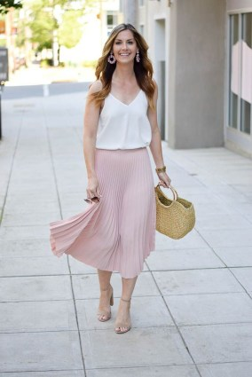 Cute Maxi Skirt Outfits To Impress Everybody33