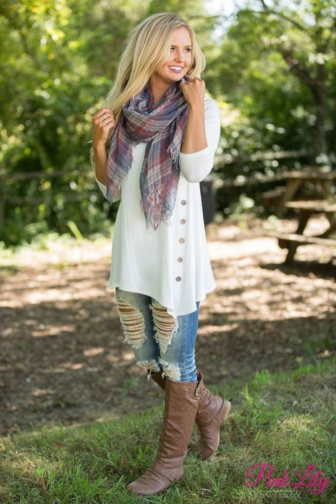 Lovely Fall Outfits Ideas To Try Right Now40