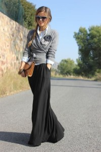 Modest But Classy Skirt Outfits Ideas Suitable For Fall24