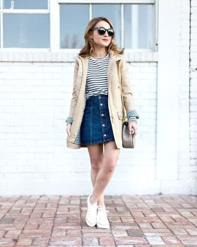 Modest But Classy Skirt Outfits Ideas Suitable For Fall32