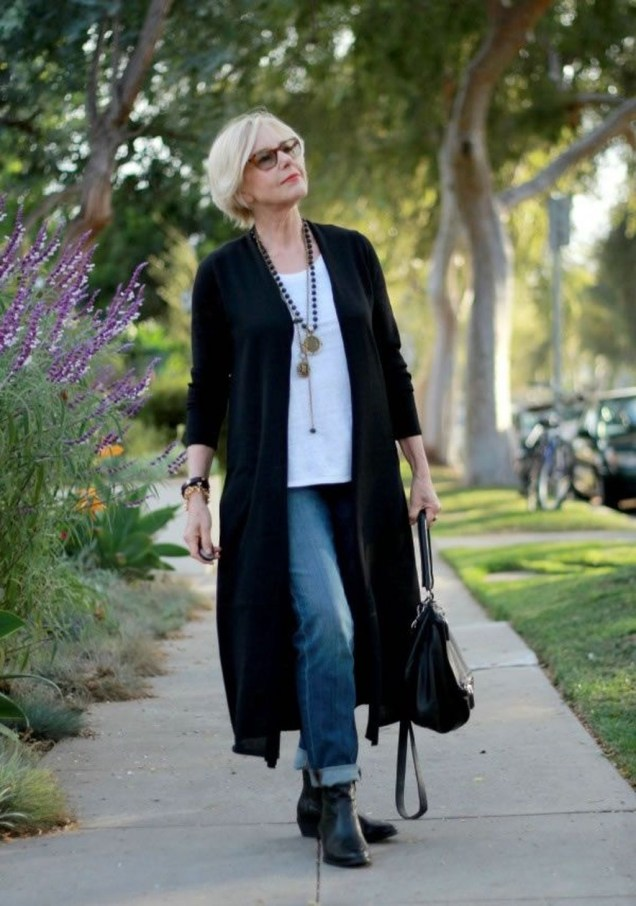 Amazing Looks For Over 40 Women Inspiration42