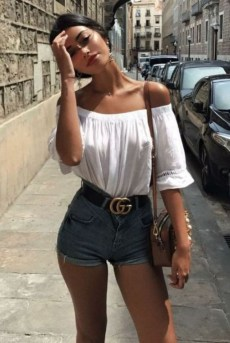 Charming Summer Outfits Ideas To Copy Right Now11