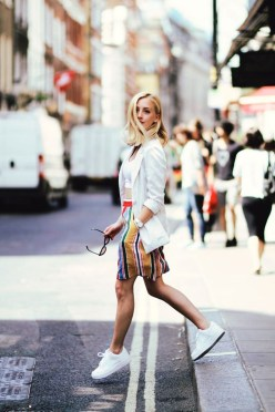 Charming Summer Outfits Ideas To Copy Right Now19