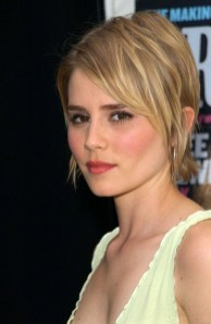 Chic Short Hairstyle To Copy Right Now12