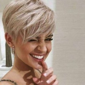 Chic Short Hairstyle To Copy Right Now13