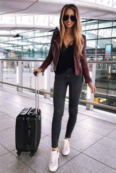 Classic And Casual Airport Outfit Ideas16