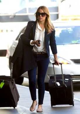 Classic And Casual Airport Outfit Ideas27