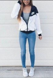 Fabulous And Fashionable School Outfit Ideas For College Girls10
