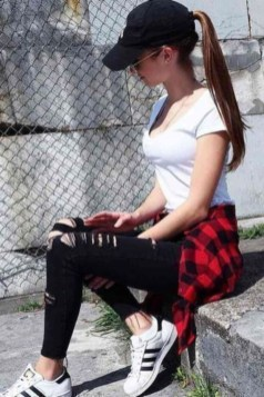 Fabulous And Fashionable School Outfit Ideas For College Girls18