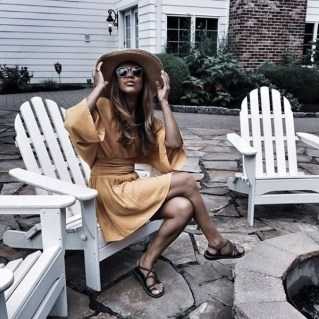 Magnificient Summer Outfit Ideas With Black Flats14