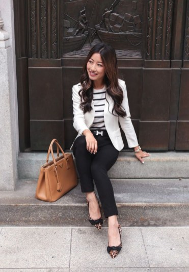 Magnificient Summer Outfit Ideas With Black Flats39