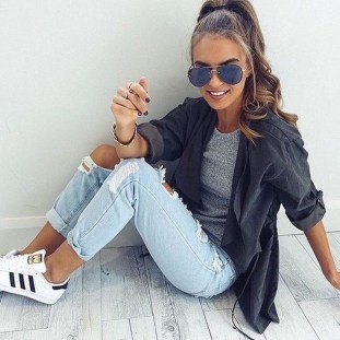 Stunning Fall Outfits Ideas To Update Your Wardrobe12