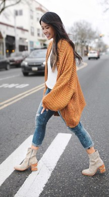 Unique Ways To Wear A Cardigan This Fall07