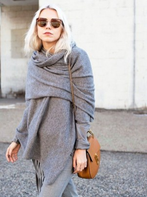Unique Ways To Wear A Cardigan This Fall25