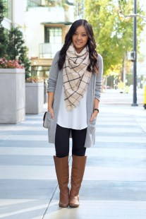 Unique Ways To Wear A Cardigan This Fall38