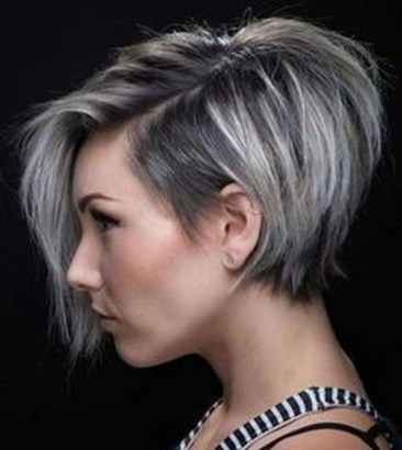 Charming Graduate Bob Haircut Ideas10