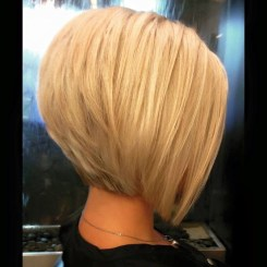 Charming Graduate Bob Haircut Ideas18