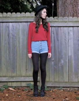 Charming Winter Outfits Ideas High Waisted Shorts09