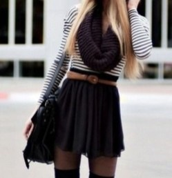 Charming Winter Outfits Ideas High Waisted Shorts24