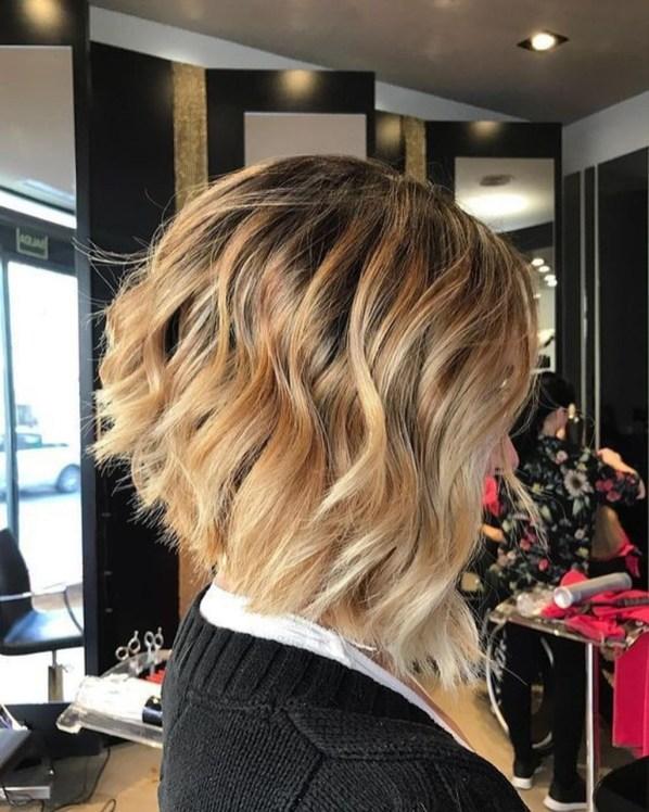 Cute Layered Bob Hairstyles Ideas35