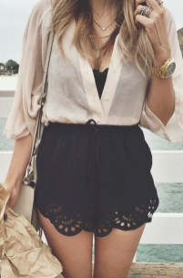 Fascinating Scalloped Clothing Ideas For Summer Outfits20
