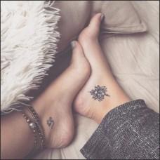 Lovely Foot Tattoo Ideas For Girls22