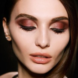 Popular Shimmer Summer Makeup Ideas10